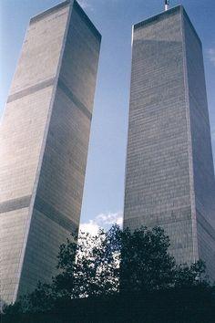 ground zero nyc Twin towers, WTC, New York World Trade Center Nyc, Trade Centre, Manhattan New York, Lower Manhattan, Beautiful Buildings, Beautiful Places, Ground Zero Nyc, Bleecker Street, America