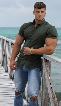 Fantasy muscle men, buff bodybuilders and good looking guys, BUILT by tallsteve. #bodybuilding