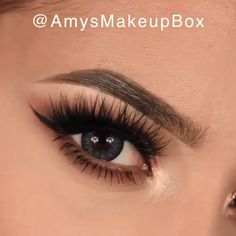 Beautiful ❤️❤️❤️💝 By: Amys Makeup Box hacks for teens girl should know acne eyeliner for hair makeup skincare Gold Eye Makeup, Makeup Eye Looks, Beautiful Eye Makeup, Makeup Box, Eye Makeup Tips, Perfect Makeup, Makeup Hacks, Beautiful Beautiful, Beautiful Eyelashes