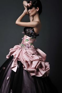 Black Tulle Overlay Skirt Ball Gown Color Wedding Dress with Bow Tail