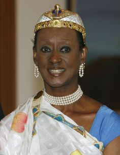 Princess Elizabeth Christobel Edith Bagaaya Akiiki of Toro is the Batebe or princess of the Kingdom of Toro. She is a Ugandan lawyer, politi. African Life, African History, Women In History, African Empires, African Crown, Princesa Elizabeth, African Princess, Black Royalty, African Royalty