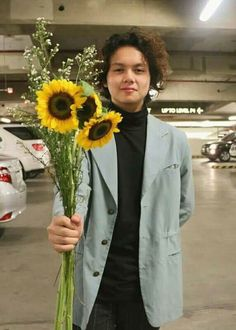"""""""Courtship Day number 1"""" Gabriel, King Of Spades, Clap Clap, Coat Stands, Happy Pills, Handsome Faces, Aesthetic Boy, Kos, Fangirl"""