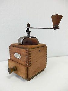 Sehr-Selten-Antik-GABY-Kurbel-Kaffeemuehle-Pfeffermuehle-Holz-30er-Jahre