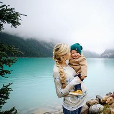 Lake Louise - Barefoot Blonde by Amber Fillerup Clark Cute Family, Family Goals, Family Kids, Cute Kids, Cute Babies, Amber Fillerup, Outfits Niños, Barefoot Blonde, Baby Kind