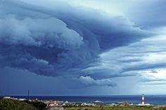 https://flic.kr/p/JKcmsx | Heavy clouds. | Over Boddam Village.