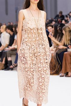 ENHANCE U FASHION DETAIL Chloé | Paris Fashion Week | Spring 2017 Runway Designers