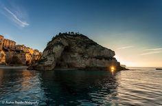 L'isola di Tropea al tramonto Calabria.