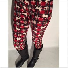 Extra Plus Red Fall/Winter Deer Plaid Leggings Fits Womens Sizes by JewelryAppeal on Etsy Low Waist Jeans, Loose Fit Jeans, Trendy Plus Size Clothing, Plus Size Outfits, Outfits For Teens, Trendy Outfits, Trendy Jeans, Buttery Soft Leggings, Winter Leggings