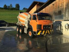 Mixer Truck, Concrete Mixers, Best Commercials, Old Trucks, Car Insurance, Transportation, Things To Come, Blitz, Trailers