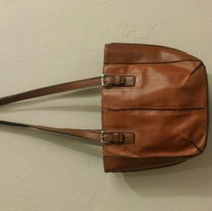 Brown leather looking purse Brown leather looking purse. Very country! And comfy!;) Bags Shoulder Bags