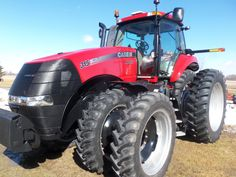 265hp CaseIH Magnum 315.In hp this is between a MX305 & a 335