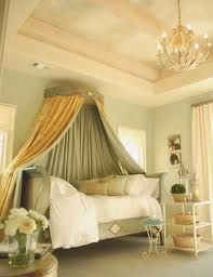 Classic Bedroom Design with Elegant Furniture Set Picture Gold Bedroom, Bedroom Green, Bedroom Decor, Gold Rooms, Master Bedroom, Canopy Bed Curtains, Canopies, Diy Canopy, Green Curtains