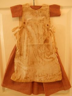Primitive doll dress w prairie apron Primitive Doll Patterns, Primitive Crafts, Americana Crafts, Doll Closet, Fabric Crafts, Doll Dresses, Cool Hairstyles, Two Piece Skirt Set, Summer Dresses