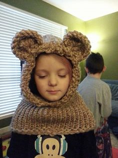 Loom knitted bear cowl. Click for pattern