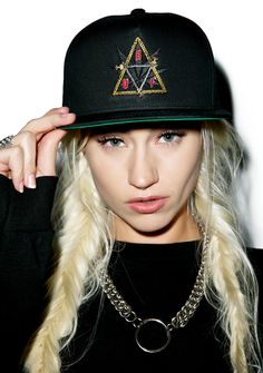 HUF Swords Triple Triangle Snapback Hat go ahead and slay, stoner bae! This hat is classically constructed from durable black canvas and features an embroidered front HUF logo with swords creating a triangle with a weed leaf in the middle complete with an adjustable snapback closure.