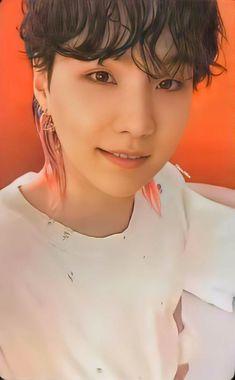 Min Yoongi Bts, Min Suga, Bts Jungkook, Bts Dogs, Min Yoongi Wallpaper, Bts Army Bomb, Fandom Kpop, Taehyung, Trending Topics