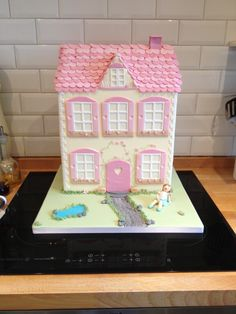 37 Best Dolls House Cakes Images Fondant Cakes Cake Art