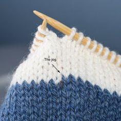 "Knitting Tutorial: Avoid that nasty jog when knitting stripes. Learn how to make a ""jogless join."""