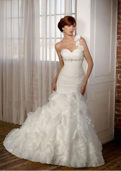Organza Flower One-shoulder with Sweetheart Neckline and Rouched Bodice in Trumpet