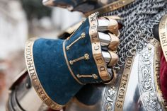 Armstreet Armoury hourglass gauntlet from their king& guard kit. The brass details and Latin mottos are particularly nice.