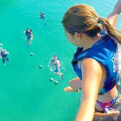 . . ジャーーーーーンプッッッ💨 . . #メキシコ#カンクン#カリブ海 #ターコイズブルー#コーラルブルー #旅行#海外旅行#海#水着#青 #トラベル#晴れ#ゴープロ #mexico#cancun#caribbean #coralblue#turquoiseblue #trip#internationaltravel #sea#swimwear#blue#gopro #palmtree#beach#sunny