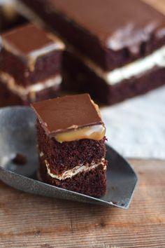 Schoko Creme Karamell Kuchen - Chocolate Caramel Cake | Das Knusperstübchen