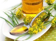 L'huile de colza : contenu élevé en acides gras polyinsaturés (oméga-3 et oméga-6). essentiels et fournis par l'alimentation.10 fois plus de vitamine E que l'huile d'olive, sous forme de gamma-tocophérol. Préférez l'huile de canola raffinée pour les cuissons.