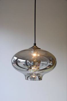 Glazen lampen bulblight   DG Webshop   In Huis bij Franka Pendant Lighting, Lightning, Lanterns, Bulb, Ceiling Lights, Home Decor, Nescafe, Flower, Life