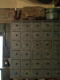 lots of prim drawers Primitive Kitchen, Primitive Antiques, Primitive Country, Primitive Furniture, Funky Furniture, Antique Furniture, Antique Decor, Vintage Decor, Cajas Shabby Chic