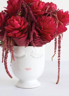 Ceramic Celfie Face Vase x Feminine Face, Ceramic Pots, Tall Vases, Inspired Homes, Flower Vases, Silk Flowers, White Ceramics, Floral Arrangements, Glass Vase