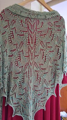 Ravelry: Forest Laughters Shawl pattern by Athanasia Andritsou                                                                                                                                                     Más