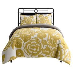 Bold, contemporary style is yours to enjoy with a Seedling by Thomas Paul, Aviary Comforter Set. A rich color palette and a modern floral print promise to make this ensemble a dashing complement to your master or guest bedroom décor.t