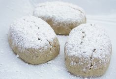 Traditional Spanish Polvorones (Christmas Cookies)