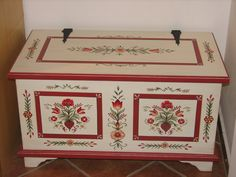Tulipános láda képek - Katalin Cz.Budai - Picasa Web Albums Painted Chest, Painted Boxes, Painted Chairs, Painted Furniture, Wooden Toy Chest, Trunks And Chests, Blanket Chest, Tole Painting, Hope Chest