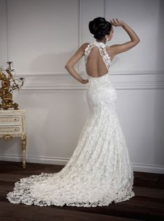 Floor Length Halter Open Back Lace Wedding Dresses