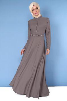 Önden Aksesuar Düğmeli Elbise Vizon Ürün kodu: SF3419 --> 89.90 TL Abaya Fashion, Muslim Fashion, Fashion Dresses, Pakistani Party Wear Dresses, Modest Maxi Dress, Hijab Evening Dress, Modele Hijab, Dress Pesta, Mode Abaya