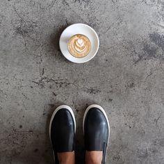 Is it Friday night? #latte #latteart #Sneakers #KOTD @happybonesnyc @sinkthesun