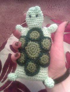 Oh so cute Turtle Phone case pattern