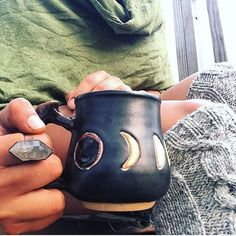 Everything's still 25% off with code PHEW after my epic adventuring/saleshorgasboard. This sweet pic is from #creatrix @cbceramics maker of this and many other rad mugs!  Go give her a peek after you treat yourself ;)