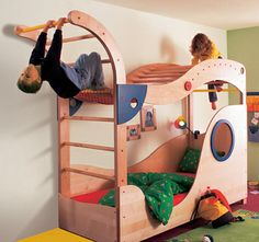 while i love the idea, what kid would want to go to sleep with a bed like this? could be good for Gabes room though