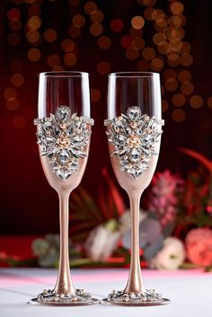Personalized Wedding glasses champagne color and silver