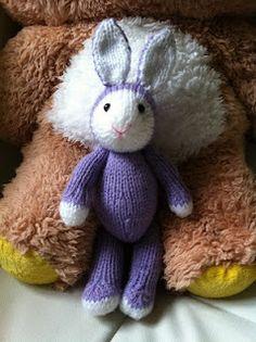 Bunny Kayla based on Fuzzy mitten lamb, a free ravelry download