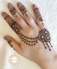 Easy Mehndi Designs, Henna Hand Designs, Dulhan Mehndi Designs, Latest Mehndi Designs, Bridal Mehndi Designs, Henna Tattoo Designs Simple, Mehndi Designs For Beginners, Mehndi Design Photos, Mehndi Designs For Fingers