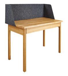 Skil Schreibtisch aus Eiche und Filz. (www.habitat.fr)L.101 x B.50 x H.103 cm  599€