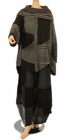 idaretobe.com  Prisa Funky Black & Grey Snuggly Oversize Top-Prisa,lagenlook, womens plus size UK clothing, ladies plus size lagenlook fashion clothing,  3 words....I LOVE THIS!!
