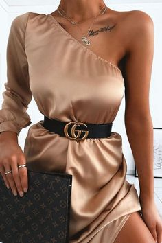 Cute outfit idea to copy ♥ For more inspiration join our group Amazing Things ♥ You might also like these related products: - Dresses ->. Elegant Outfit, Classy Dress, Elegant Dresses, Cute Dresses, Glamouröse Outfits, Cute Casual Outfits, Stylish Outfits, Night Outfits, Look Fashion