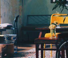 9 quán cafe nền gạch hoa cực nghệ ở Sài Gòn mà bạn nên ghé qua... chụp hình - Ảnh 4. Parrot Flying, Outdoor Cafe, Coffee Shop Design, Wishbone Chair, Furniture, Home Decor, Farmhouse, Blue Prints, Concept