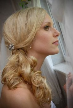 Summer Down Wedding Hair Photos & Pictures - WeddingWire.com