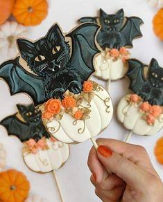 Halloween Desserts, Recetas Halloween, Hallowen Food, Halloween Goodies, Halloween Cupcakes, Spirit Halloween, Disney Halloween, Halloween Decorations, Happy Halloween