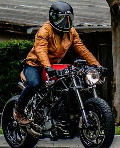 Ducati Cafe Racer/Brat Style                                                                                                                                                                                 More